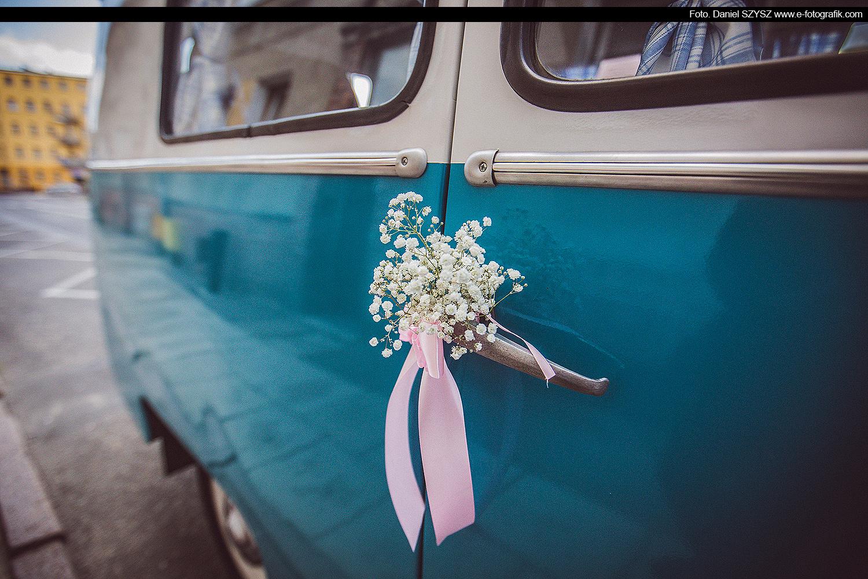 nyska-samochjód-do-ślubu-foto-daniel-szyszswinoujscie-dekoracja-slubna